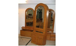 mirrored-dressing-table-venetian